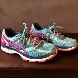 ASICS GT-2000 women's running shoe size 11
